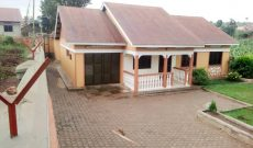 3 bedroom house for sale in Mbarara at 150m