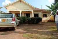 3 bedroom house for sale in Bweyogerere 60x100fts At 175m