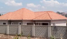 4 bedroom house for sale in Kisaasi 550m