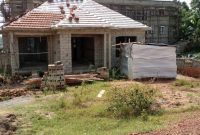 4 bedroom shell house for sale in Kira Mulawa at 130m
