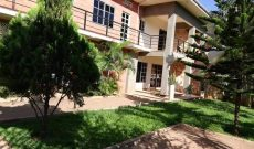 4 bedroom house for sale in Ntinda Ministers Village $400,000