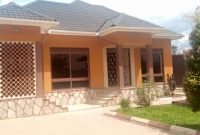 3 bedroom house for rent in Najjera Buwate at 1.7m monthly