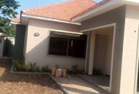 4 bedroom house for sale in Kisaasi at 550m
