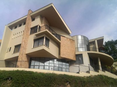 4 bedroom house with a pool for sale in Naguru at $950,000
