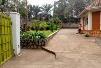 5 bedroom house for rent in Kololo at $3,000