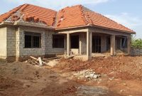 6 bedroom house for sale in Kasangati at 250m