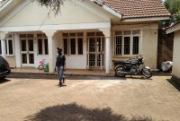 2 bedroom house for rent in Bugolobi Wankoko Port Bell road at 1m shillings