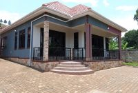 3 bedroom house for sale in Akright City at 450m