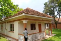 4 bedroom house for rent in Kololo at 3,500 USD per month