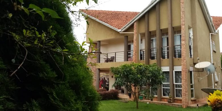 4 bedroom house for sale in Lubowa on 25 decimals at 350,000 USD