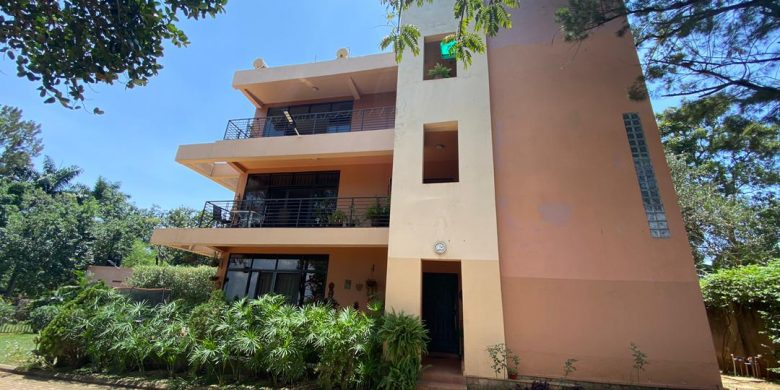 3 bedroom apartments for rent in Bunga Kawuku at 1,000 USD