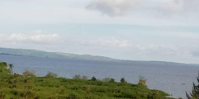 7 acres with lake view for sale in Kigo at $300,000 each