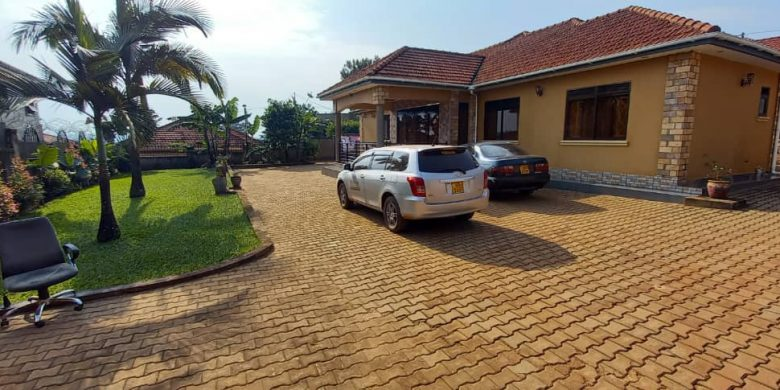 4 bedroom house for sale in Kira 20 decimals at 500m