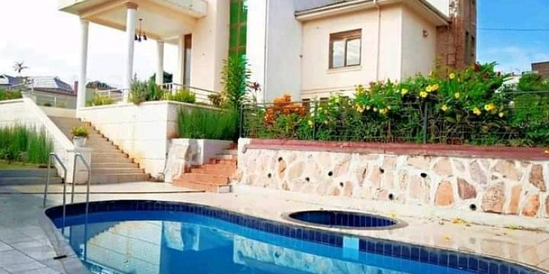 6 bedroom house with a swimming pool for sale in Kisaasi Kulambiro at 1.3 billion shillings